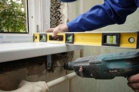 Электроинструмент, используемый при монтаже окон