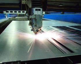 Использование лазера для нарезания металлических стройматериалов