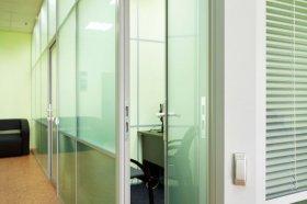 Офисные перегородки и методы скрытия инженерных коммуникаций