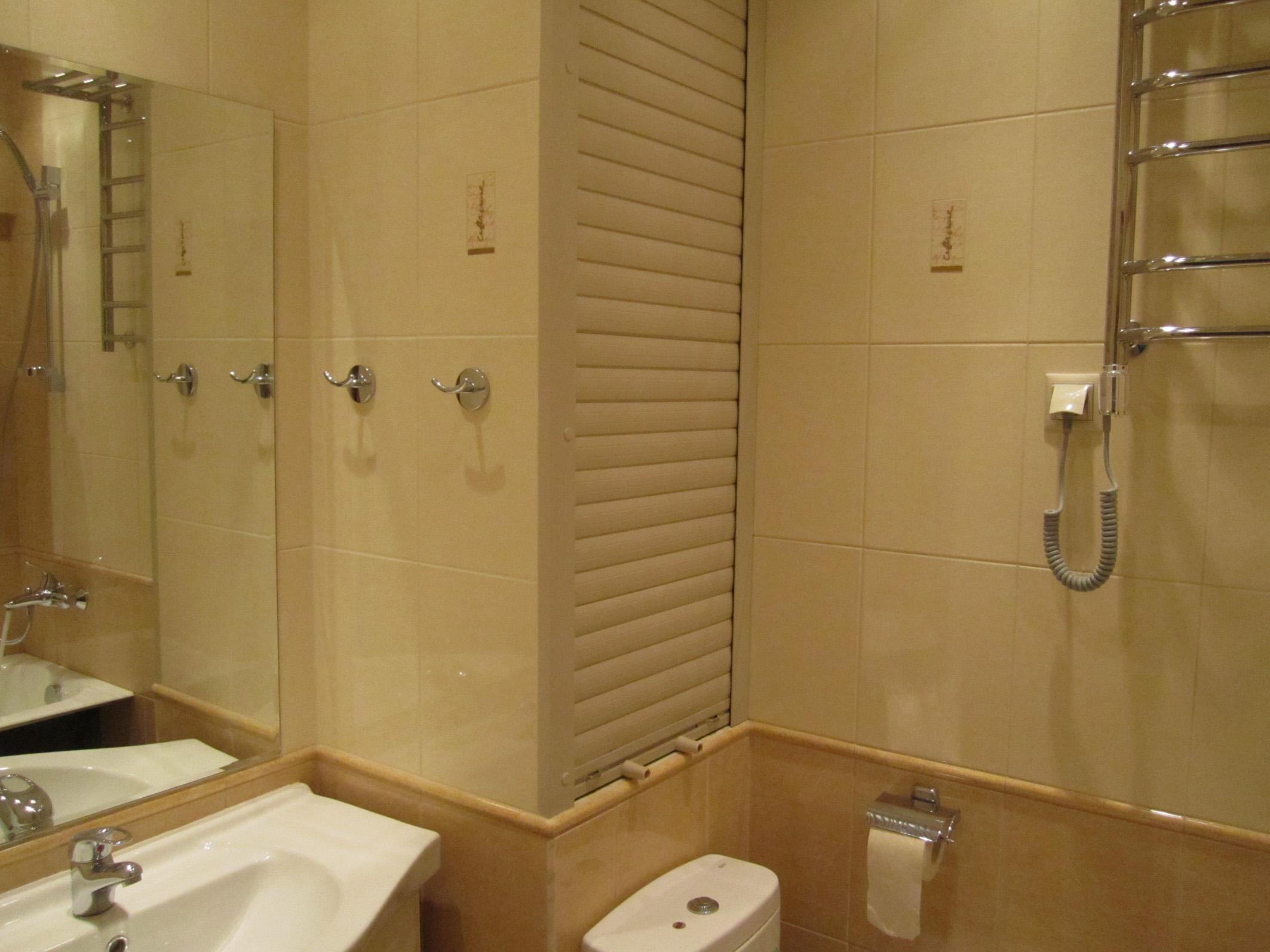 Чем закрыть трубы в ванной комнате